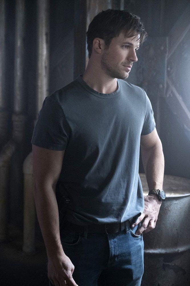 "TIMELESS -- ""Hollywoodland"" Episode 203 -- Pictured: Matt Lanter as Wyatt Logan -- (Photo by: Justin Lubin/NBC)"