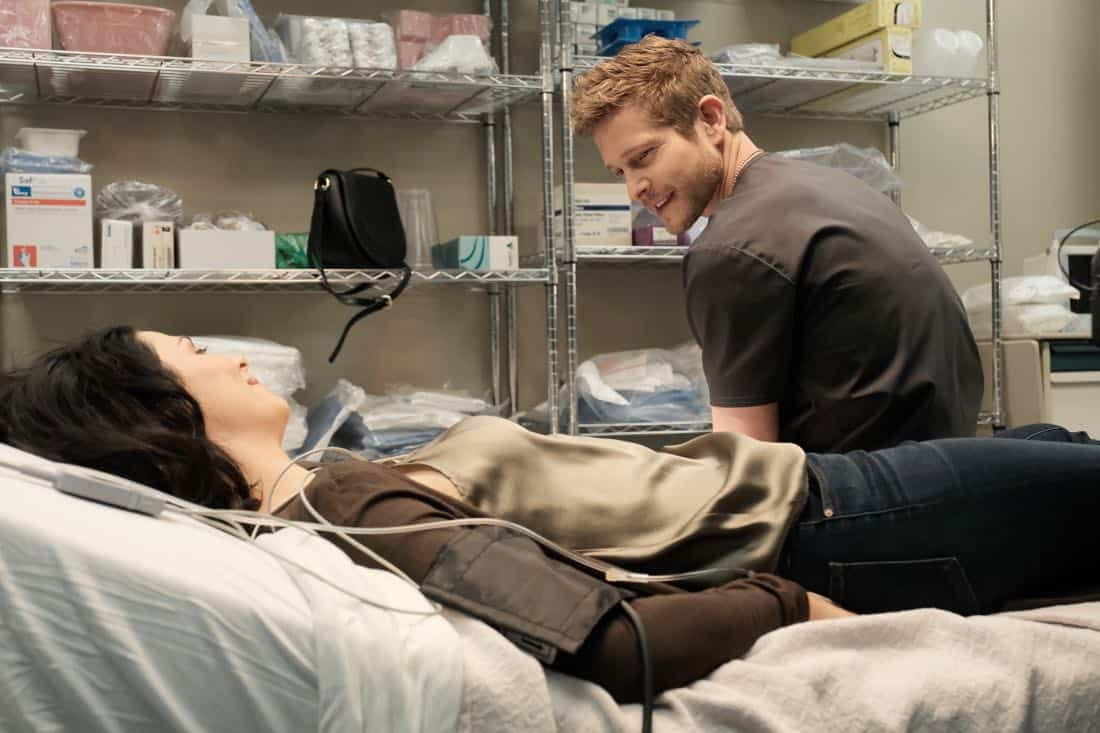 "THE RESIDENT: L-R: Guest star Joanne Kelly and Matt Czuchry in the ""Lost Love"" episode of THE RESIDENT airing Monday, March 26 (9:00-10:00 PM ET/PT) on FOX. ©2018 Fox Broadcasting Co. Cr: Guy D'Alema/FOX"