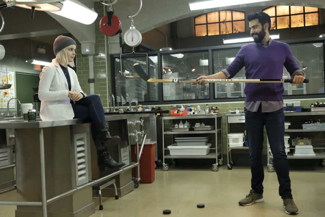 "iZombie -- ""Goon Struck"" -- Image Number: ZMB405a_0327.jpg -- Pictured (L-R): Rose McIver as Liv and Rahul Kohli as Ravi -- Photo: Bettina Strauss/The CW -- © 2018 The CW Network, LLC. All rights reserved."