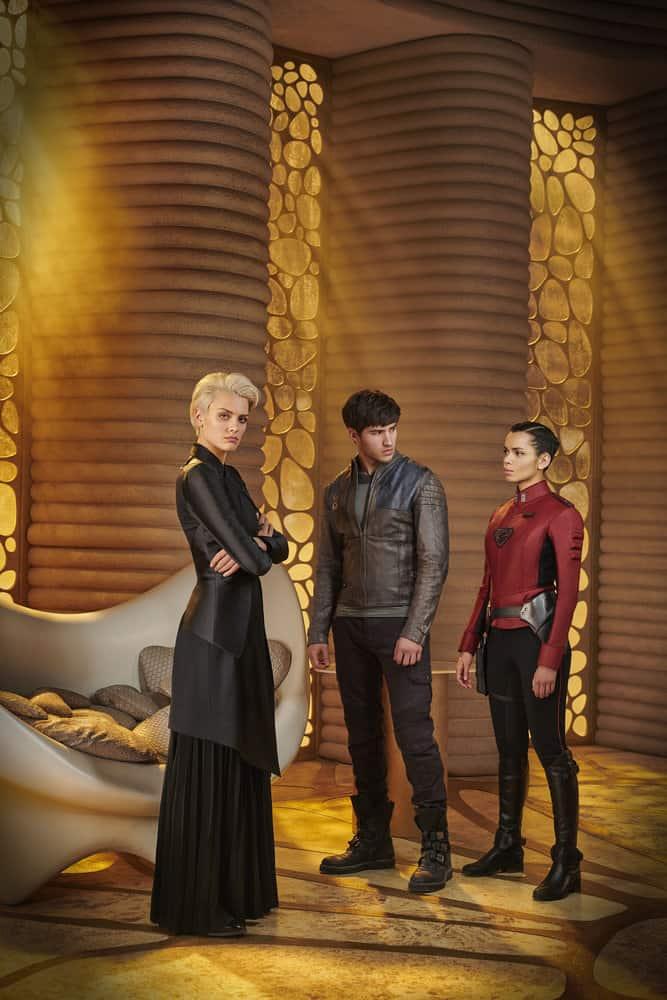 KRYPTON -- Season:1 -- Pictured: (l-r) Wallis Day as Nyssa-Vex, Cameron Cuffe as Seg-El, Georgina Campbell as Lyta-Zod -- (Photo by: Gavin Bond/Syfy)
