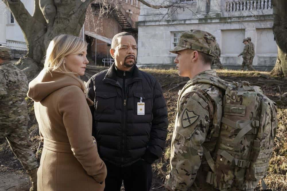 "LAW & ORDER: SPECIAL VICTIMS UNIT -- ""Service"" Episode 1918 -- Pictured: (l-r) Kelli Giddish as Detective Amanda Rollins, Ice T as Odafin ""Fin"" Tutuola, Jack DiFalco as William ""Billy"" Shaughnessy -- (Photo by: Peter Kramer/NBC)"
