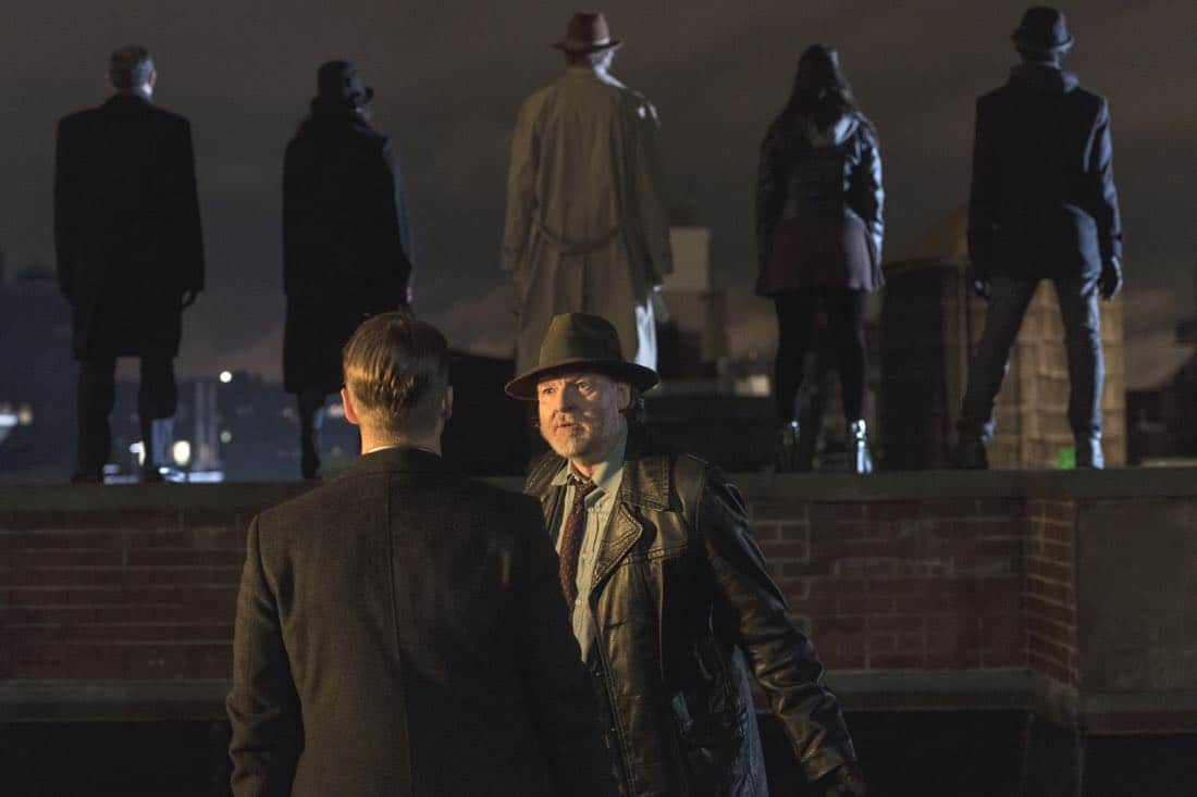 "GOTHAM: L-R: Ben McKenzie and Donal Logue in the ""A Dark Knight: One Of My Three Soups"" episode of GOTHAM airing Thursday, March 29 (8:00-9:00 PM ET/PT) on FOX.  ©2018 Fox Broadcasting Co. Cr:  David Giesbrecht/FOX"