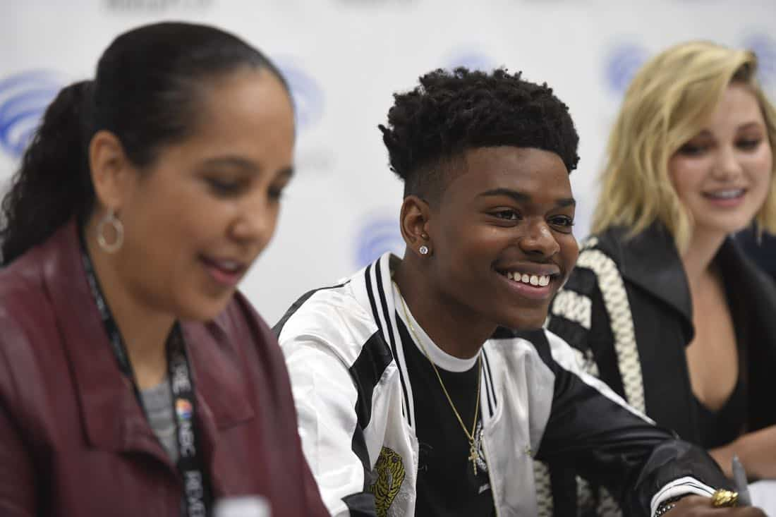 "MARVEL'S CLOAK & DAGGER - The executive producers and cast of Freeform's highly-anticipated new original series ""Marvel's Cloak & Dagger"" attended WonderCon to promote the June 7th premiere. (Freeform/Aaron Poole) GINA PRINCE-BYTHEWOOD (DIRECTOR), AUBREY JOSEPH, OLIVIA HOLT"