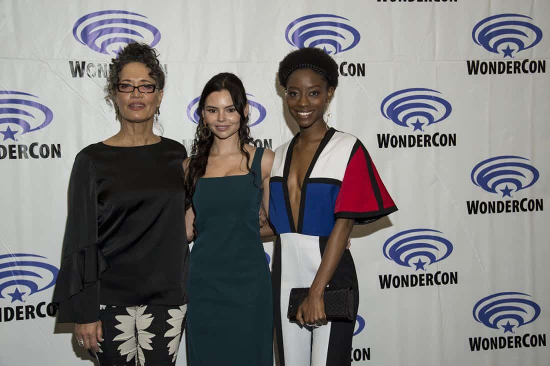 Siren Cast Wondercon 2018 23
