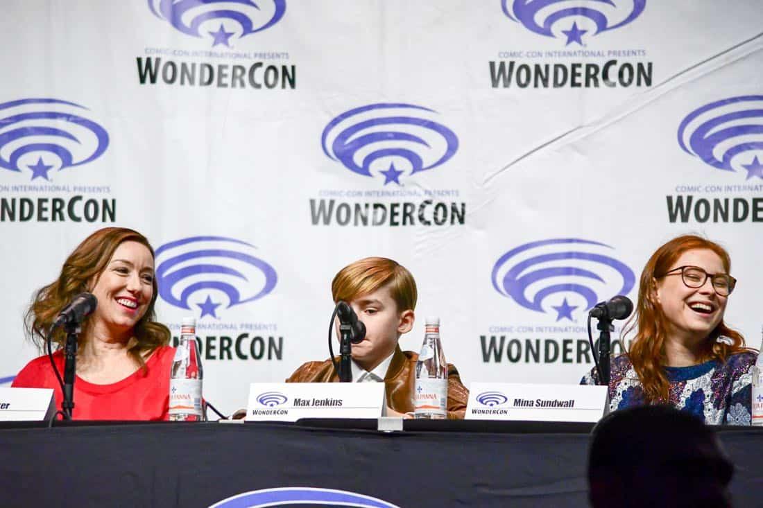 Lost In Space Netflix WonderCon 2018 Cast 16