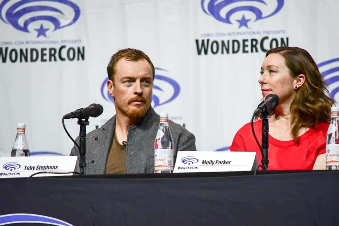 Lost In Space Netflix WonderCon 2018 Cast 06