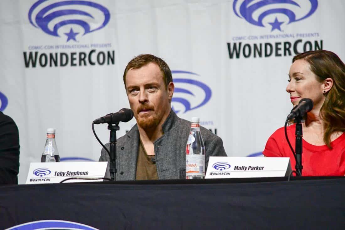 Lost In Space Netflix WonderCon 2018 Cast 07