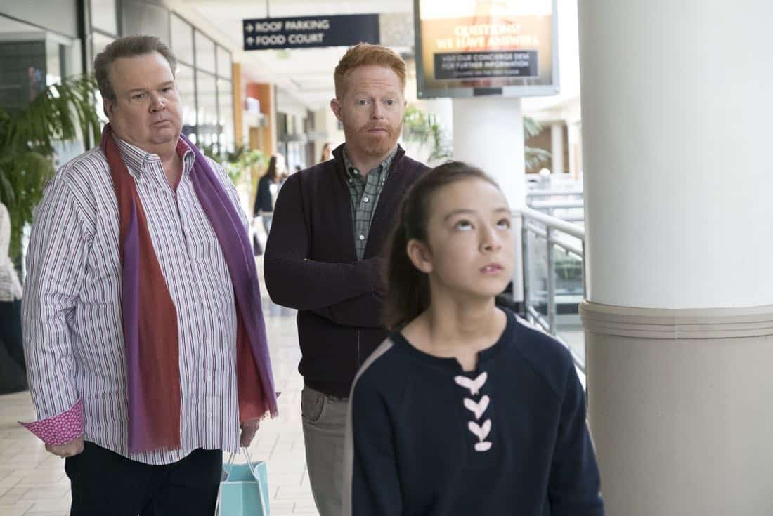 Modern Family Episode 18 Season 9 Daddy Issues 07