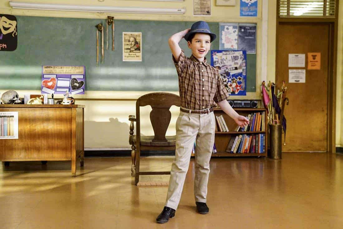 """Killer Asteroids, Oklahoma, and a Frizzy Hair Machine"" -Pictured: Sheldon (Iain Armitage). A disappointing loss at the science fair sends SheldonÕs life in a new direction, on YOUNG SHELDON, Thursday, March 29 (8:31-9:01 PM, ET/PT) on the CBS Television Network. Jason Alexander guest stars as SheldonÕs drama teacher, Mr. Lundy. Photo: Sonja Flemming/CBS ©2018 CBS Broadcasting, Inc. All Rights Reserved."
