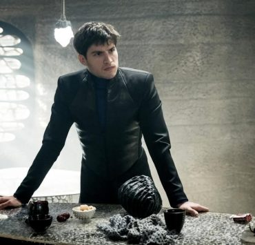 "KRYPTON -- ""The Rankless Initiative"" Episode 103 -- Pictured: Cameron Cuffe as Seg-El -- (Photo by: Steffan Hill/Syfy)"