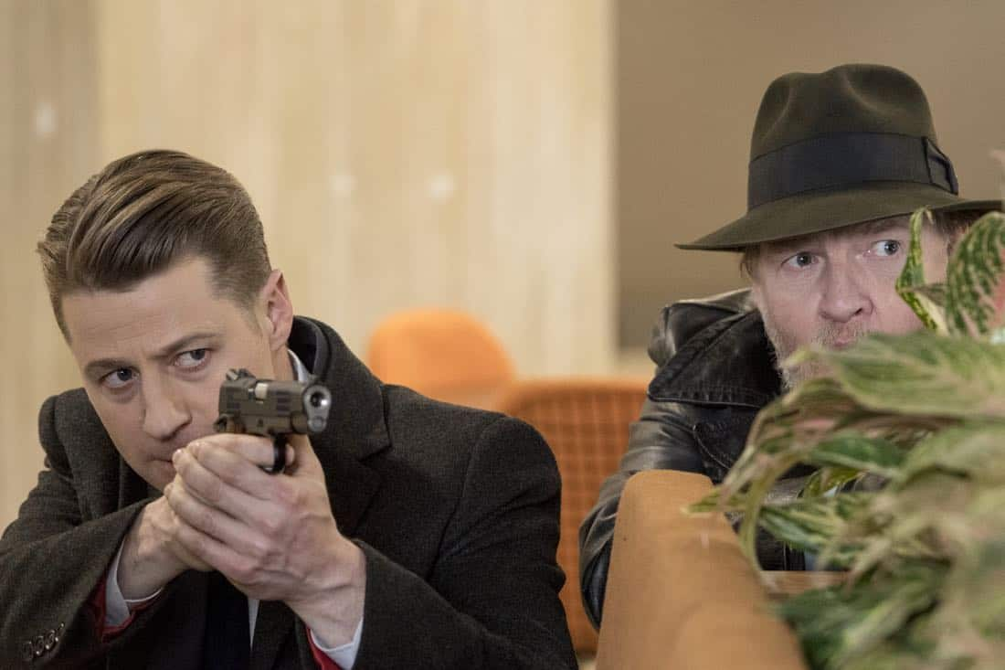 "GOTHAM: L-R: Ben McKenzie and Donal Logue in the ""A Dark Knight: Mandatory Brunch Meeting"" episode of GOTHAM airing Thursday, April 5 (8:00-9:00 PM ET/PT) on FOX. ©2018 Fox Broadcasting Co. Cr: FOX"