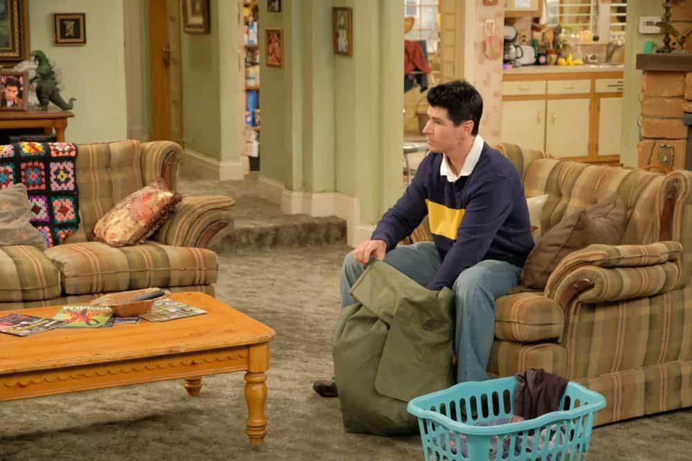 Roseanne Episode 4 Season 10 Eggs Over Not Easy 01