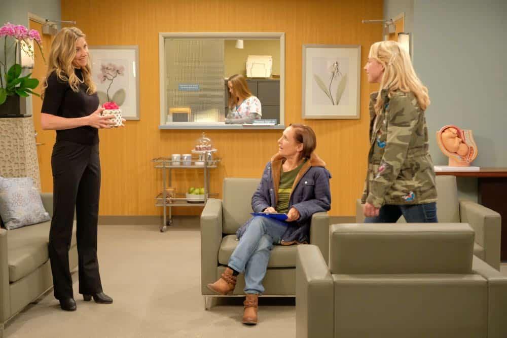 Roseanne Episode 4 Season 10 Eggs Over Not Easy 07