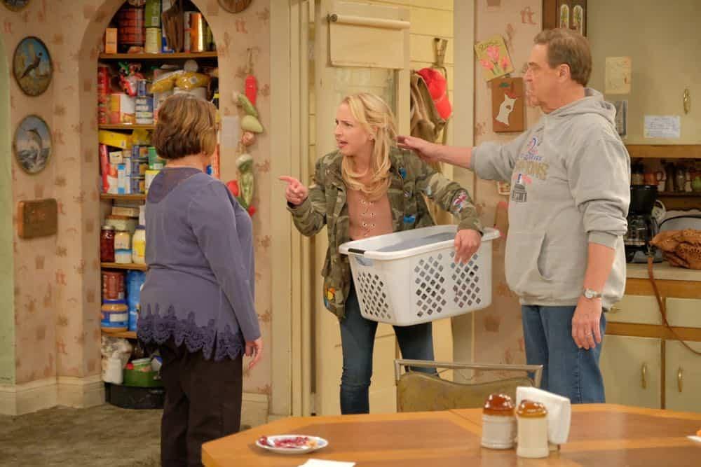 Roseanne Episode 4 Season 10 Eggs Over Not Easy 16