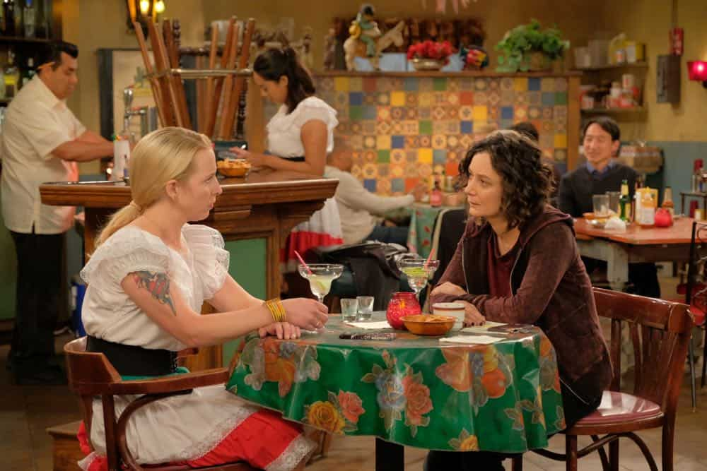 Roseanne Episode 4 Season 10 Eggs Over Not Easy 26