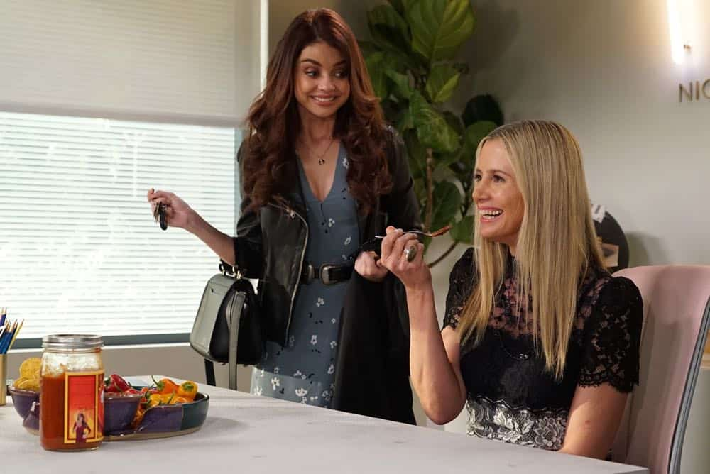 Modern Family Episode 19 Season 9 Chips And Salsa 15