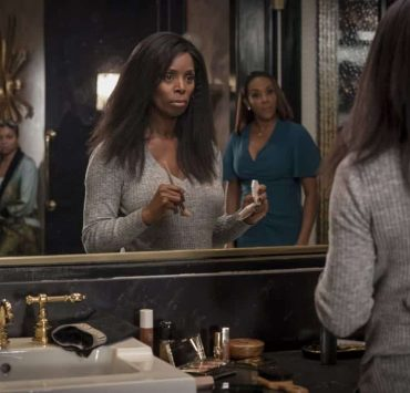 "EMPIRE: L-R: Taraji P. Henson, guest star Tasha Smith and guest star Vivica A. Fox in the ""Sweet Sorrow"" episode of EMPIRE airing Wednesday, April 11 (8:00-9:00 PM ET/PT) on FOX. CR: Fox Broadcasting Co. CR: Chuck Hodes"