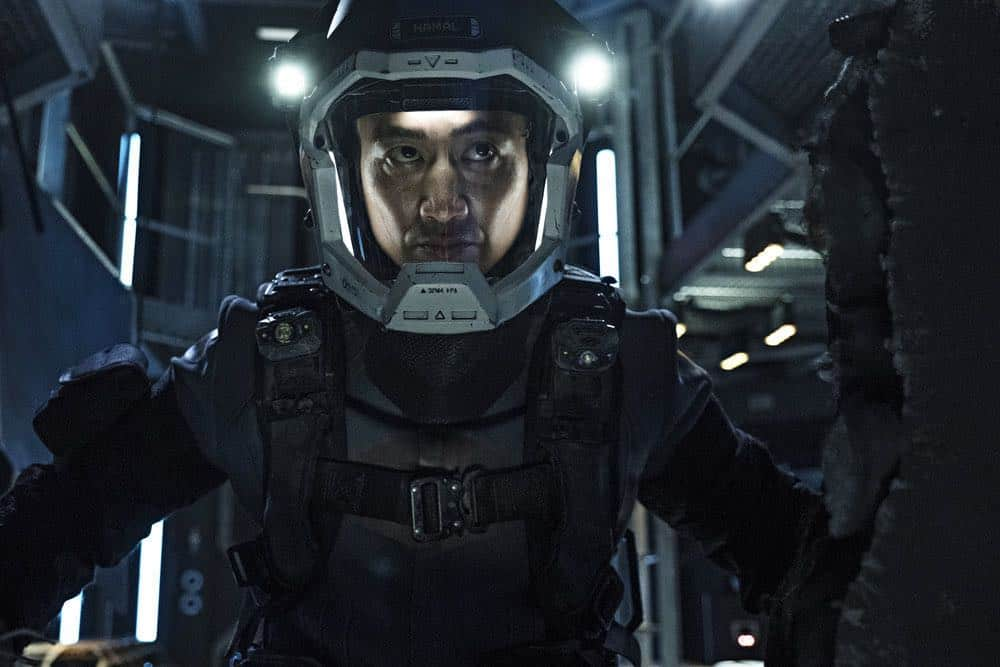 "THE EXPANSE -- ""Fight or Flight"" Episode 301 -- Pictured: Terry Chen as Prax -- (Photo by: Rafy/Syfy)"
