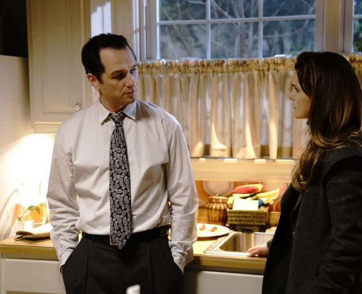 "THE AMERICANS -- ""Urban Transport Planning"" -- Season 6, Episode 3 (Airs Wednesday, April 11, 10:00 pm/ep) -- Pictured: (l-r) Mathew Rhys as Philip Jennings, Keri Russell as Elizabeth Jennings. CR: Patrick Harbron/FX"