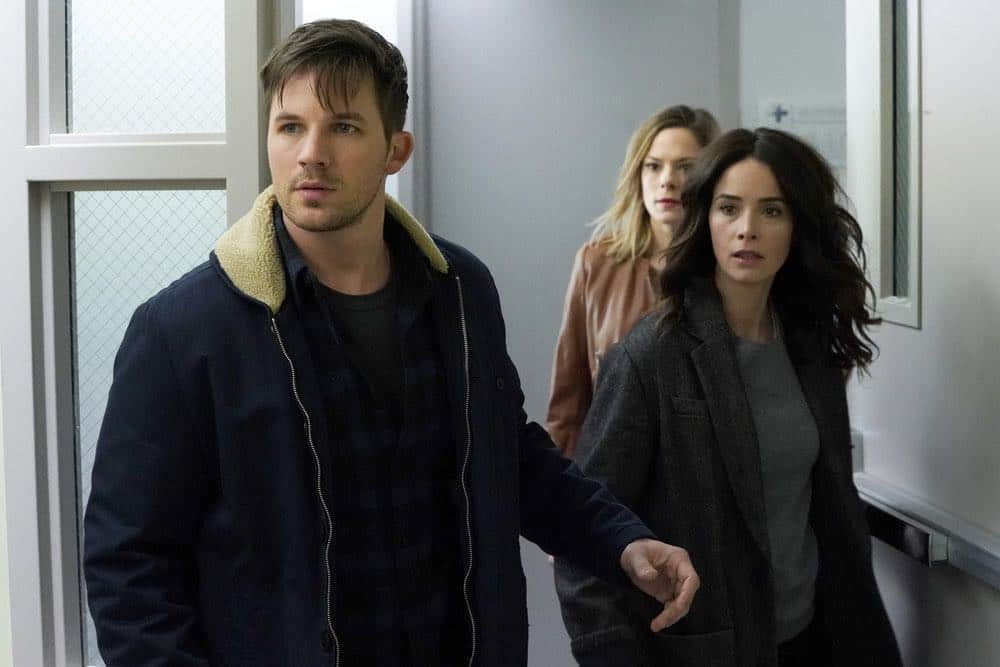 "TIMELESS -- ""The Kennedy Curse"" -- Pictured: (l-r) Matt Lanter as Wyatt Logan, Tonya Glanz as Jessica, Abigail Spencer as Lucy Preston -- (Photo by: Chris Haston/NBC)"