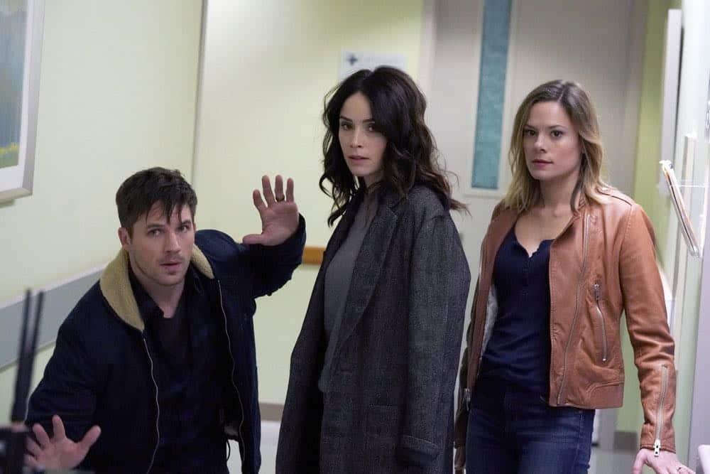 "TIMELESS -- ""The Kennedy Curse"" -- Pictured: (l-r) Matt Lanter as Wyatt Logan, Abigail Spencer as Lucy Preston, Tonya Glanz as Jessica -- (Photo by: Chris Haston/NBC)"