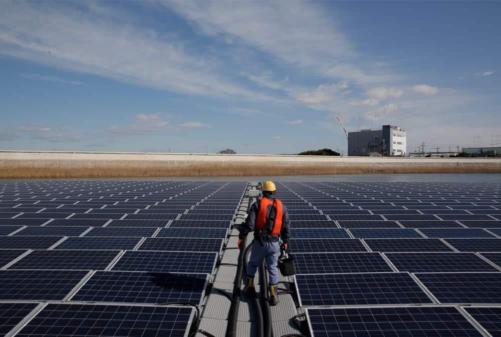 Renewable Energy Apple Solar Panel Japan 040918