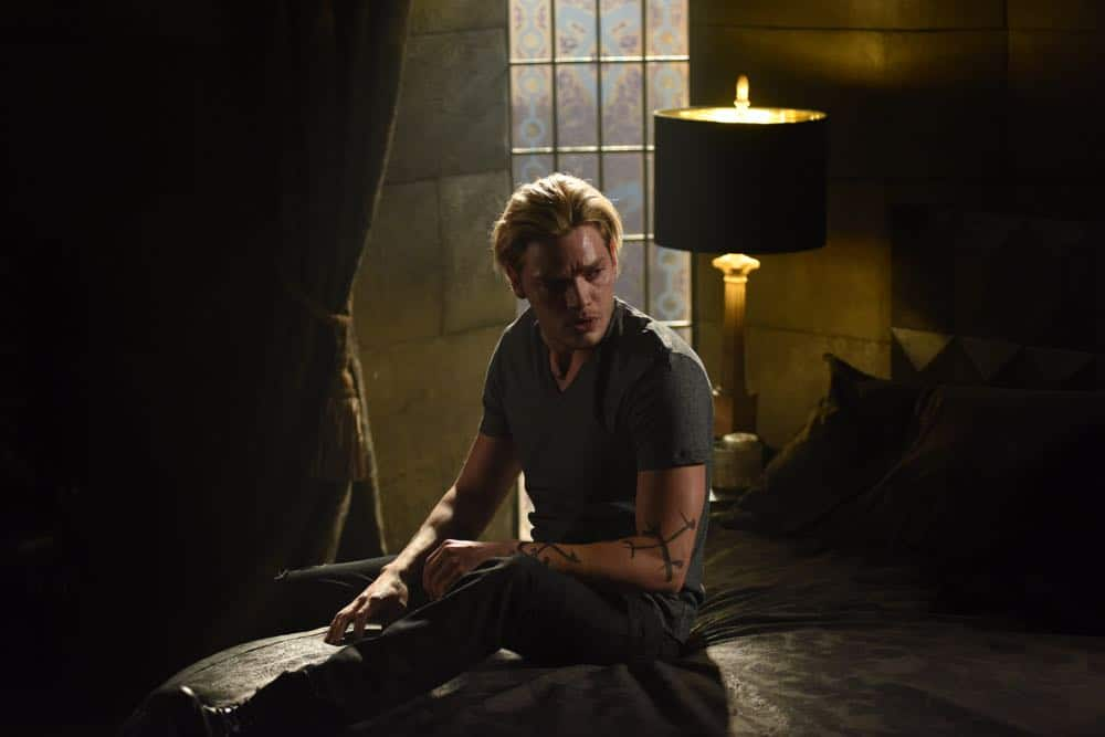 Shadowhunters Episode 4 Season 3 SHADOWHUNTERS Season 3 Episode 4 Photos Thy Soul Instructed 35
