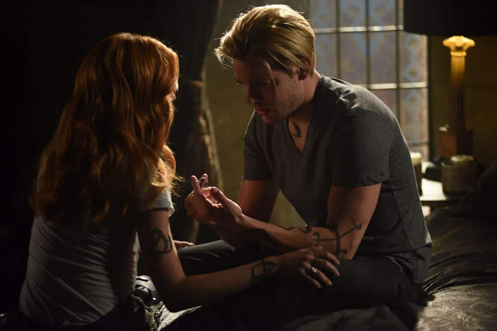 Shadowhunters Episode 4 Season 3 SHADOWHUNTERS Season 3 Episode 4 Photos Thy Soul Instructed 36