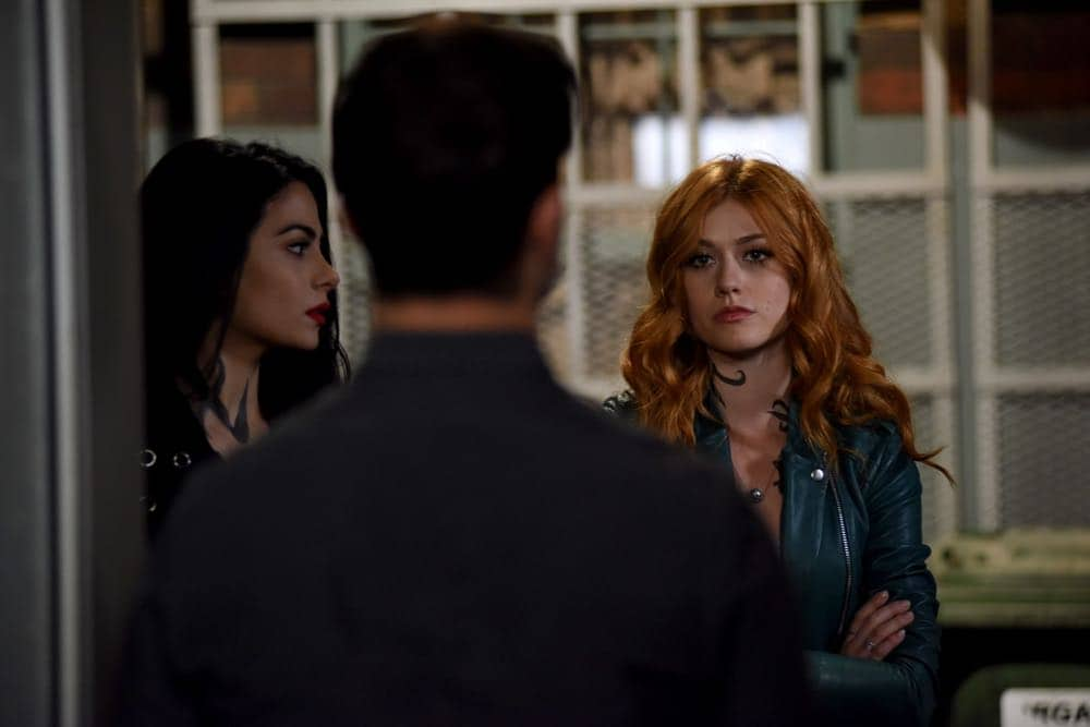 "SHADOWHUNTERS - ""Thy Soul Instructed"" - Jace's concerns grow about his mental state and turns to Luke for information on his family's past. Clary and Izzy go after a rogue vampire and Simon hunts for a new apartment. This episode of ""Shadowhunters"" airs Tuesday, April 10 (8:00 - 9:00 p.m. EDT) on Freeform. (Freeform/John Medland) EMERAUDE TOUBIA, KATHERINE MCNAMARA"