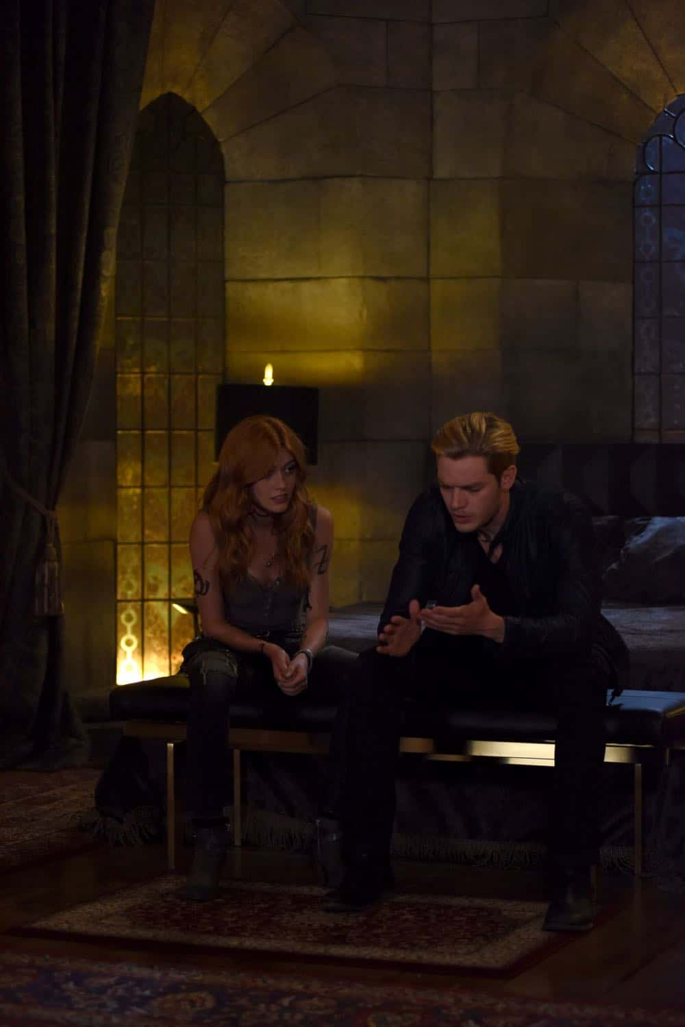Shadowhunters Episode 4 Season 3 SHADOWHUNTERS Season 3 Episode 4 Photos Thy Soul Instructed 13