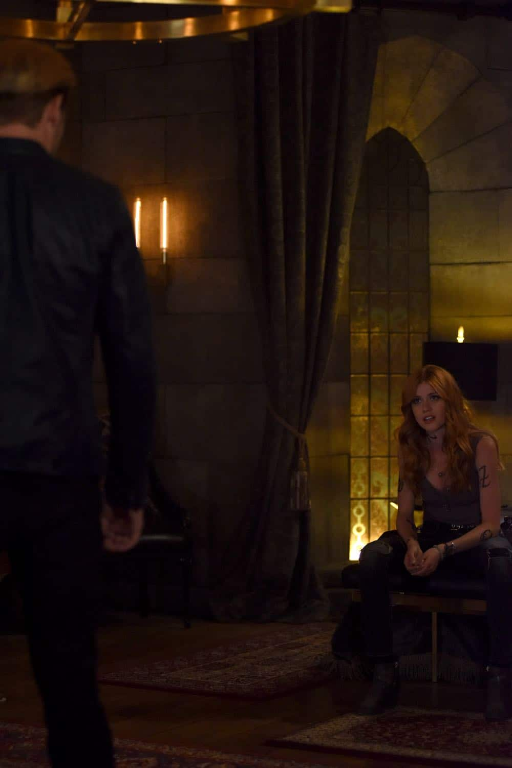 Shadowhunters Episode 4 Season 3 SHADOWHUNTERS Season 3 Episode 4 Photos Thy Soul Instructed 14