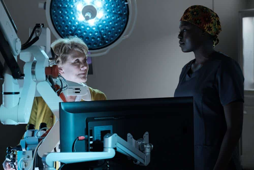 "THE RESIDENT:  L-R: Guest star Erika Slezak and Shaunette Renée Wilson in the ""Haunted"" episode of THE RESIDENT airing Monday, April 16 (9:00-10:00 PM ET/PT) on FOX.  ©2018 Fox Broadcasting Co.  Cr:  Guy D'Alema/FOX"