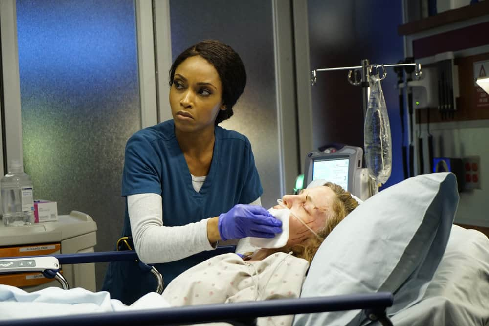 """CHICAGO MED -- """"Devil in Disguise"""" Episode 315 -- Pictured: Yaya DaCosta as April Sexton -- (Photo by: Elizabeth Sisson/NBC)"""