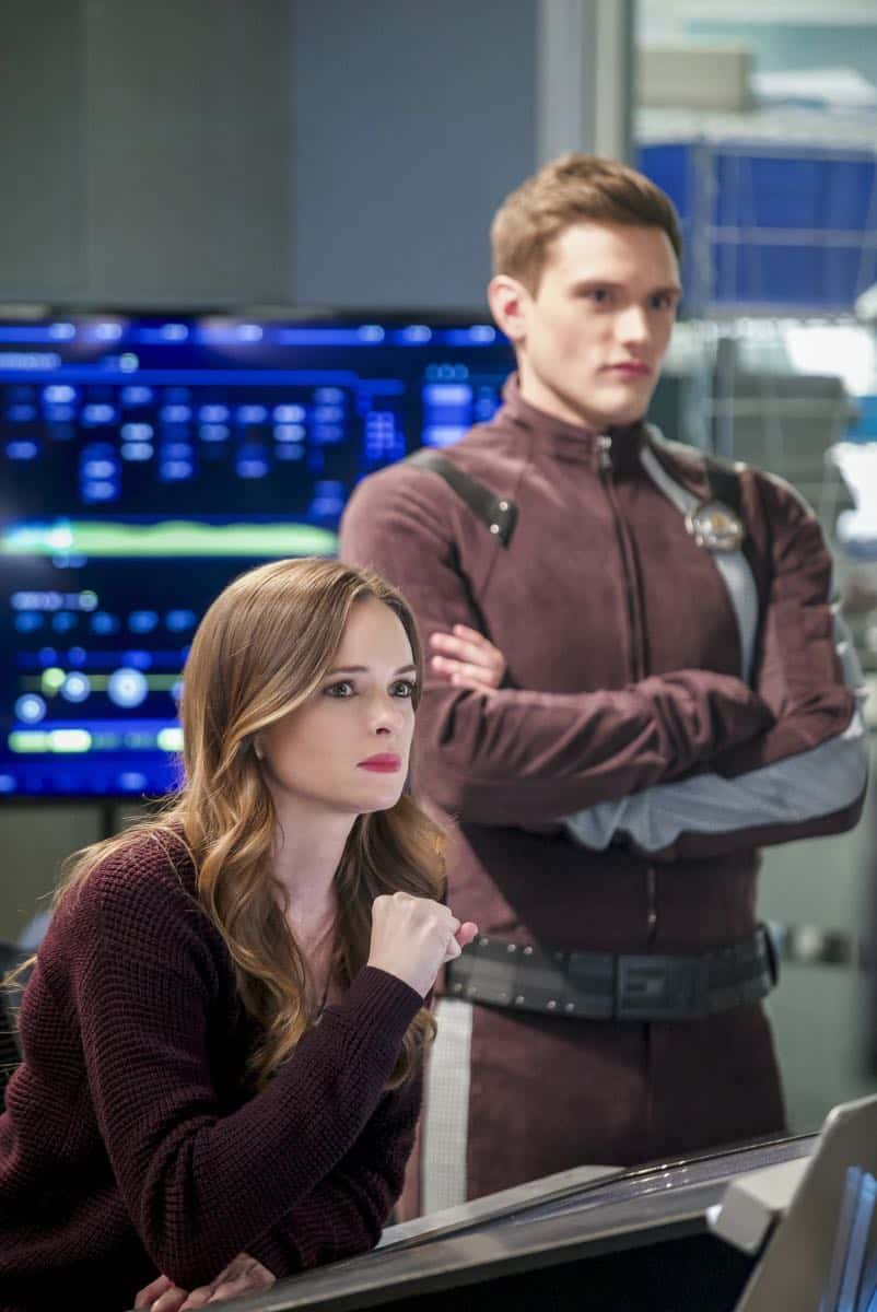 """The Flash -- """"Null and Annoyed"""" -- Image Number: FLA417b_0162b.jpg -- Pictured (L-R): Danielle Panabaker as Caitlin Snow and Hartley Sawyer as Dibney -- Photo: Shane Harvey/The CW -- © 2018 The CW Network, LLC. All rights reserved"""