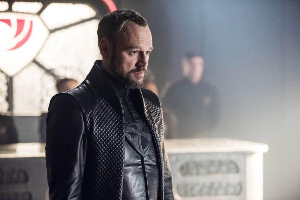 """KRYPTON -- """"The World of Rao Episode 104 -- Pictured: Elliot Cowan as Daron-Vex -- (Photo by: Steffan Hill/Syfy)"""