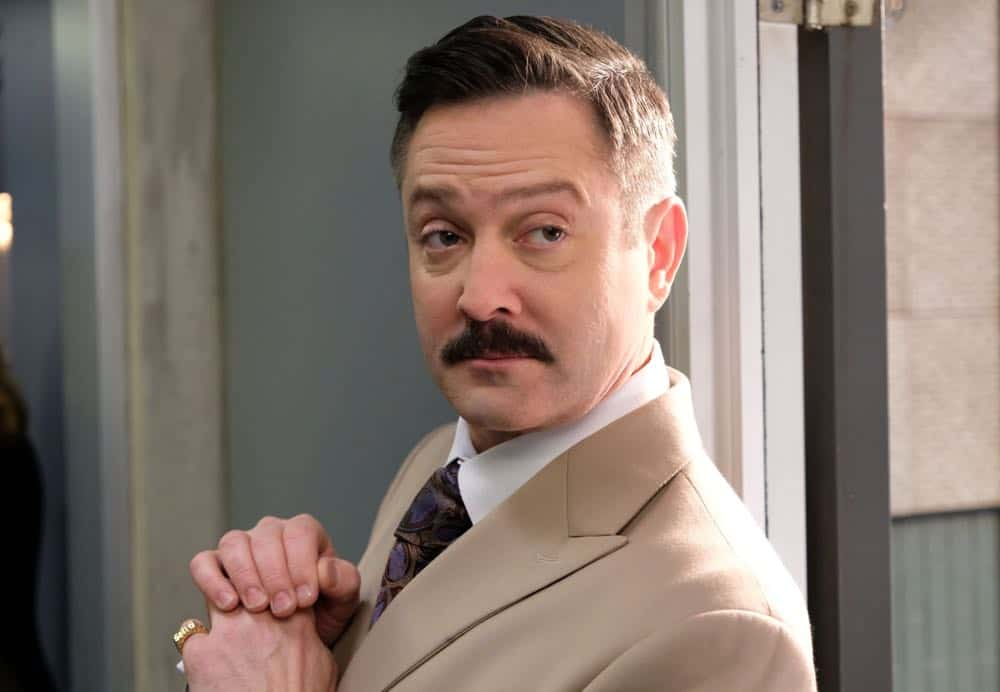 "LETHAL WEAPON: Guest star Thomas Lennon in the ""Leo Getz Hitched"" episode of LETHAL WEAPON airing Tuesday, April 17 (8:00-9:00 PM ET/PT) on FOX. ©2018 Fox Broadcasting Co. CR: Ray Mickshaw/FOX"