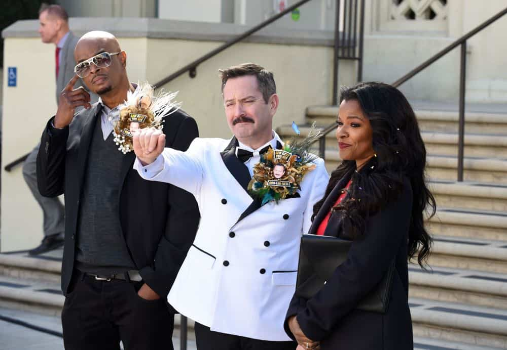 "LETHAL WEAPON: L-R: Damon Wayans, guest star Thomas Lennon and Keesha Sharp in the ""Leo Getz Hitched"" episode of LETHAL WEAPON airing Tuesday, April 17 (8:00-9:00 PM ET/PT) on FOX. ©2018 Fox Broadcasting Co. CR: Ray Mickshaw/FOX"
