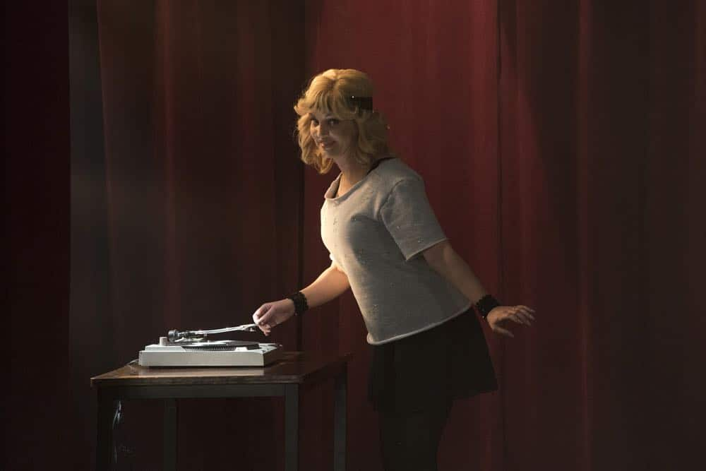 """THE GOLDBERGS - """"Flashy Little Flashdancer"""" - After seeing """"Flashdance,"""" Beverly decides to take up dance with the Frentas and is dejected when the family doesn't support her after telling them she is going to be in a recital. Meanwhile, when Emmy starts dating a cool guy, Adam thinks their friendship is in jeopardy, so he sets out to be cooler which backfires, on """"The Goldbergs,"""" WEDNESDAY, APRIL 11 (8:00-8:30 p.m. EDT), on The ABC Television Network. (ABC/Byron Cohen) WENDI MCLENDON-COVEY"""