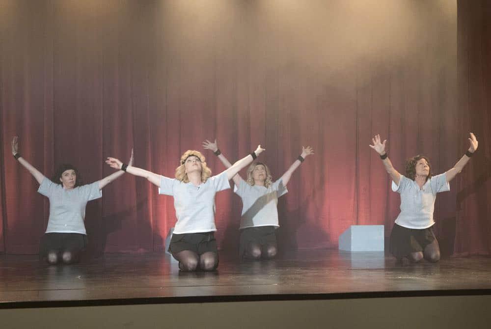 The Goldbergs Episode 19 Season 5 Flashy Little Flashdancer 44