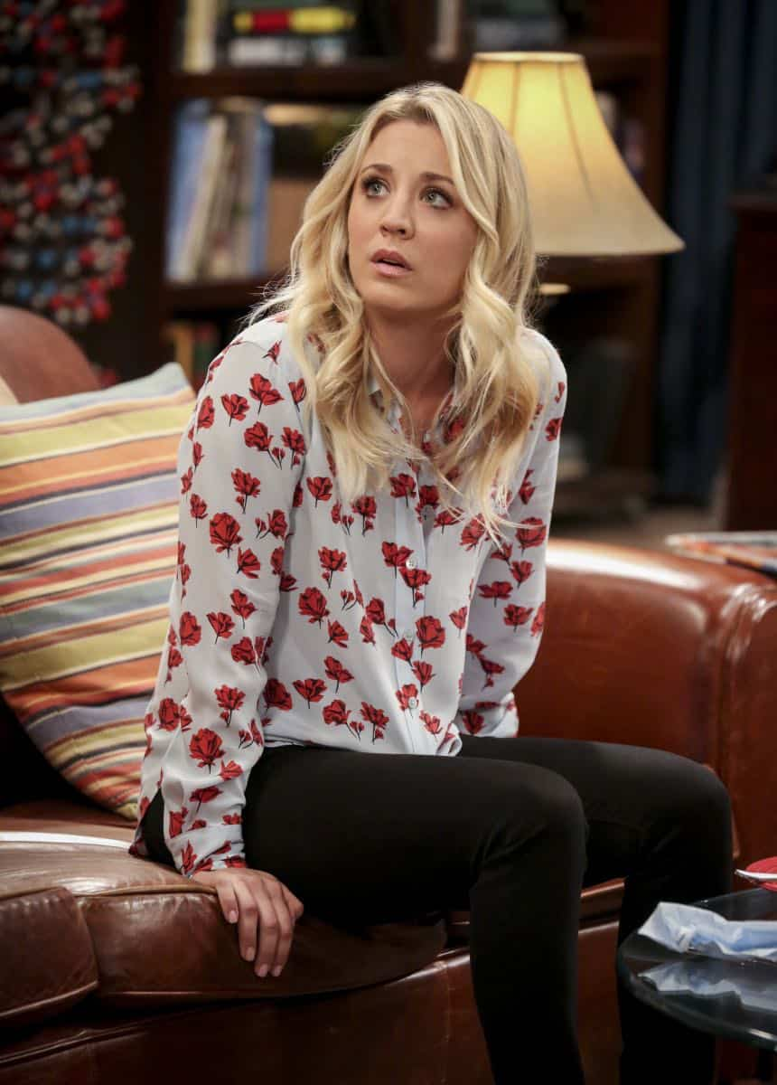 """""""The Comet Polarization"""" - Pictured: Penny (Kaley Cuoco). Sheldon's comic book store experience changes when writer Neil Gaiman puts Stuart's store on the map.  Also, Koothrappali takes credit for Penny's astronomical discovery and friendships are threatened, on THE BIG BANG THEORY, Thursday, April 19 (8:00-8:31 PM, ET/PT), on the CBS Television Network. Photo: Michael Yarish/Warner Bros. Entertainment Inc. © 2018 WBEI. All rights reserved."""