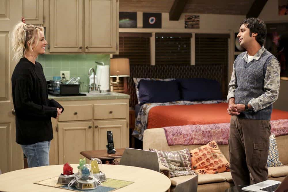 """""""The Comet Polarization"""" - Pictured: Penny (Kaley Cuoco) and Rajesh Koothrappali (Kunal Nayyar). Sheldon's comic book store experience changes when writer Neil Gaiman puts Stuart's store on the map.  Also, Koothrappali takes credit for Penny's astronomical discovery and friendships are threatened, on THE BIG BANG THEORY, Thursday, April 19 (8:00-8:31 PM, ET/PT), on the CBS Television Network. Photo: Michael Yarish/Warner Bros. Entertainment Inc. © 2018 WBEI. All rights reserved."""