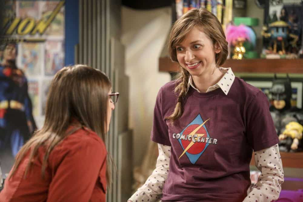 """""""The Comet Polarization"""" - Pictured: Denise (Lauren Lapkus). Sheldon's comic book store experience changes when writer Neil Gaiman puts Stuart's store on the map.  Also, Koothrappali takes credit for Penny's astronomical discovery and friendships are threatened, on THE BIG BANG THEORY, Thursday, April 19 (8:00-8:31 PM, ET/PT), on the CBS Television Network. Photo: Jordin Althaus/Warner Bros. Entertainment Inc. © 2018 WBEI. All rights reserved."""