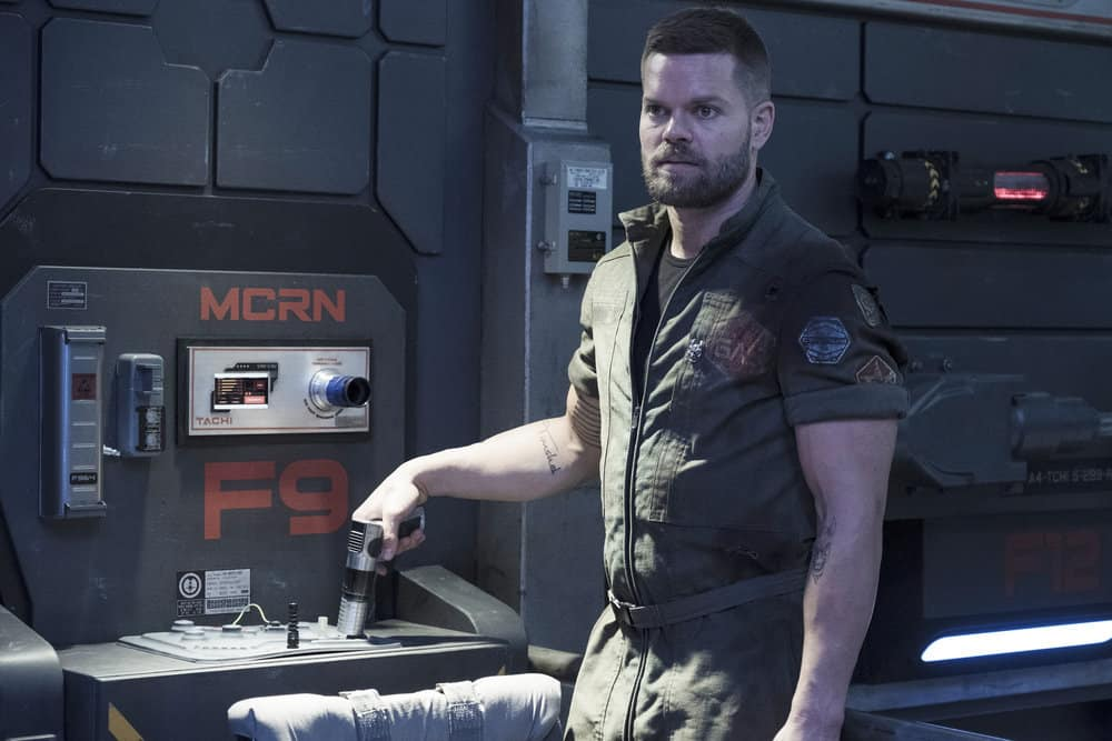 "THE EXPANSE -- ""Iff"" Episode 302 -- Pictured: Wes Chatham as Amos Burton -- (Photo by: Rafy/Syfy)"