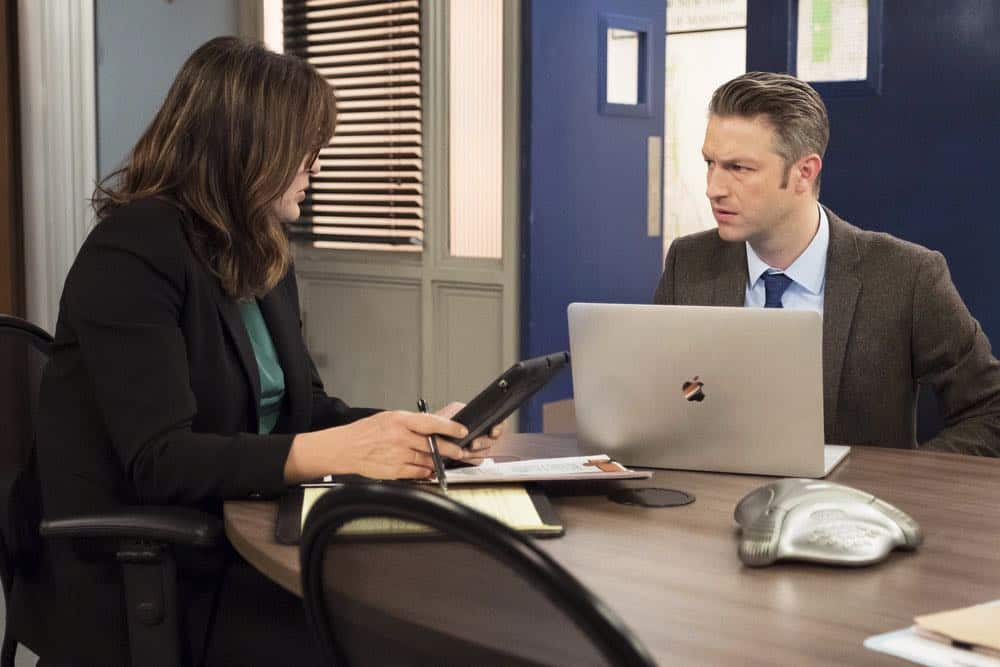 "LAW & ORDER: SPECIAL VICTIMS UNIT -- ""Sunk Cost Fallacy"" Episode 1919 -- Pictured: (l-r) Mariska Hargitay as Lieutenant Olivia Benson, Peter Scanavino as Dominick ""Sonny"" Carisi -- (Photo by:Peter Kramer/NBC)"