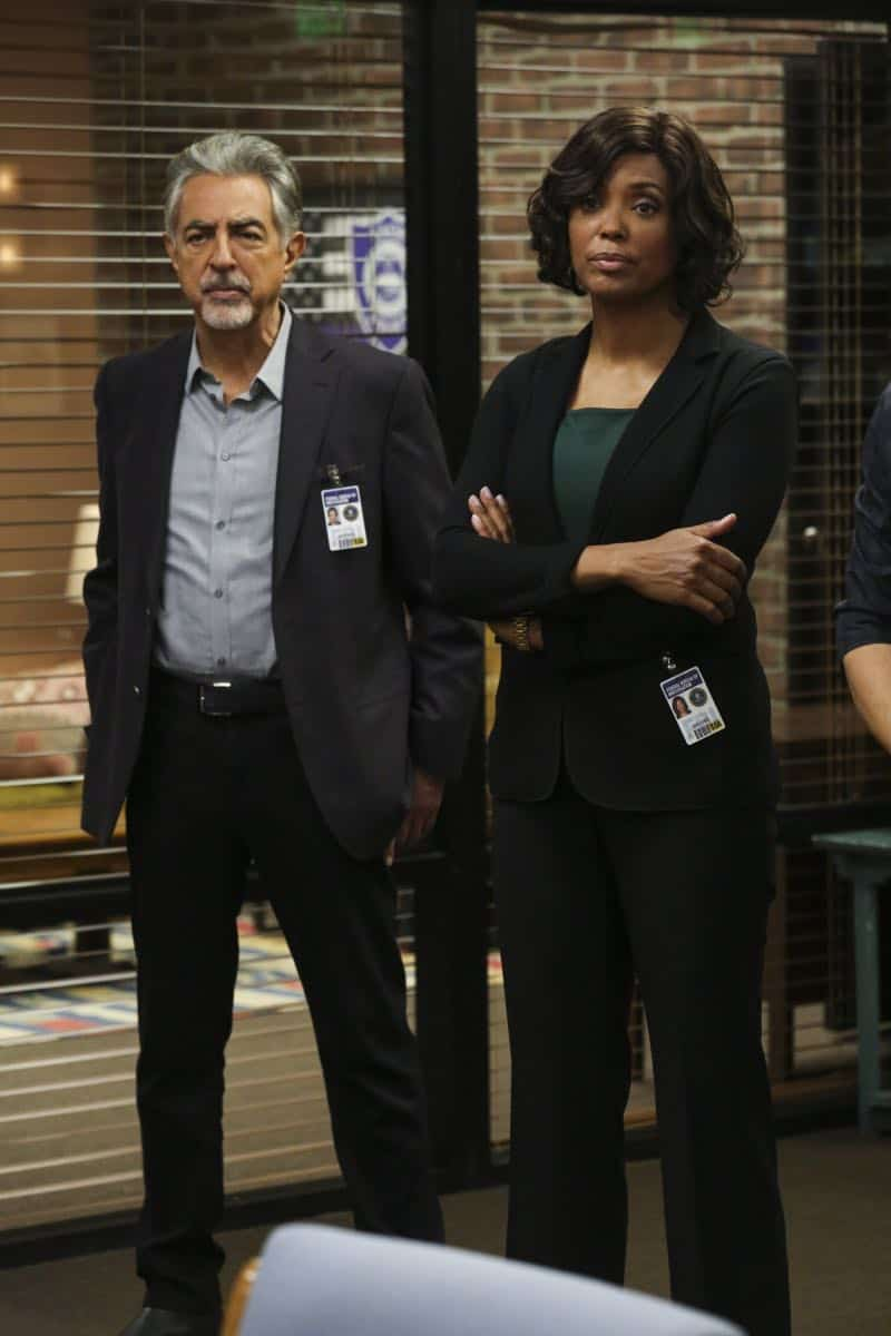 """Mixed Signals"" -- The BAU is called to Taos, N.M. to investigate an UnSub who is targeting his victims' temporal lobes, on the first episode of the double-episode 13th season finale of CRIMINAL MINDS, Wednesday, April 18 (9:00-10:00 PM, ET/PT) on the CBS Television Network.  Pictured: Joe Mantegna (David Rossi), Aisha Tyler (Dr. Tara Lewis)   Photo: Michael Yarish/CBS ©2018 CBS Broadcasting, Inc. All Rights Reserved"