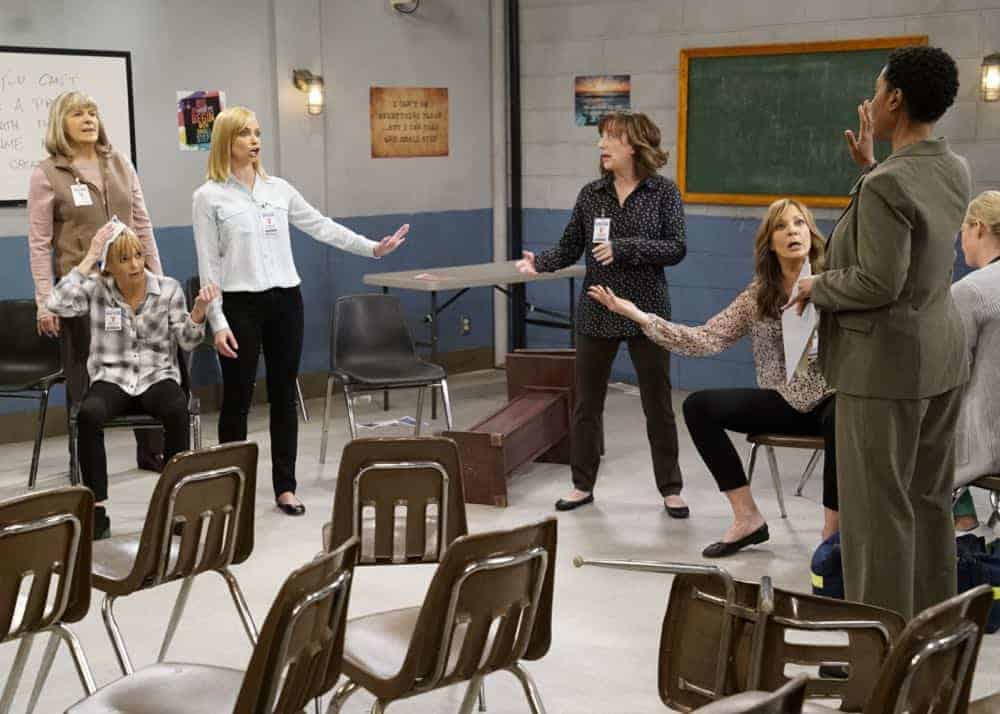 """Crazy Snakes and a Clog to the Head"" -- When the ladies bring a meeting to a women's prison, Bonnie is attacked by an old acquaintance, Tammy (Kristen Johnston), and Christy helps Bonnie make amends, on MOM, Thursday, April 12 (9:01-9:30 PM, ET/PT) on the CBS Television Network. Pictured L to R: Mimi Kennedy as Marjorie, Anna Faris as Christy, Jaime Pressly as Jill, Beth Hall as Wendy and Allison Janney as Bonnie. Photo: Robert Voets/CBS ©2018 CBS Broadcasting, Inc. All Rights Reserved"