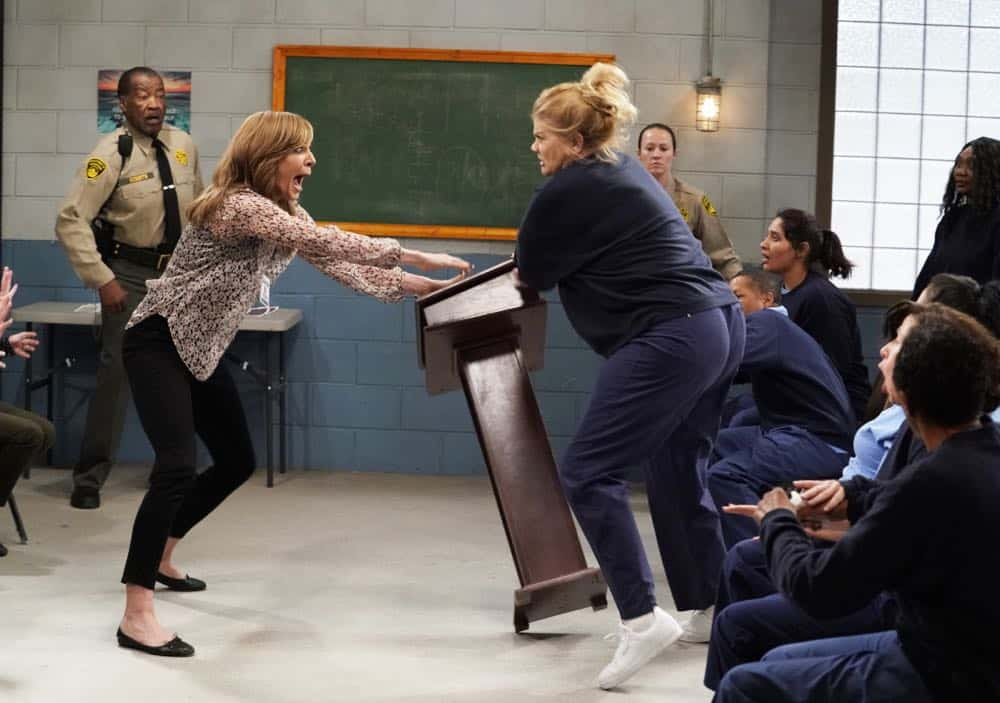 """Crazy Snakes and a Clog to the Head"" -- When the ladies bring a meeting to a women's prison, Bonnie is attacked by an old acquaintance, Tammy (Kristen Johnston), and Christy helps Bonnie make amends, on MOM, Thursday, April 12 (9:01-9:30 PM, ET/PT) on the CBS Television Network. Pictured L to R: Allison Janney as Bonnie and Kristen Johnston as Tammy. Photo: Robert Voets/CBS ©2018 CBS Broadcasting, Inc. All Rights Reserved"