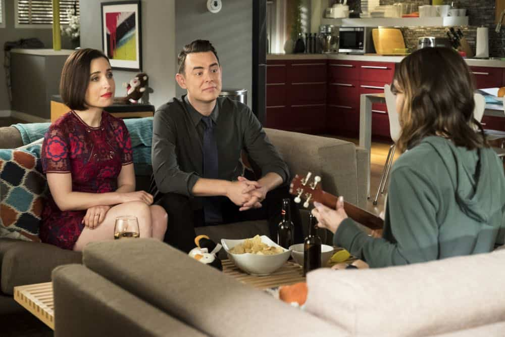 Life In Pieces Episode 17 Season 3 Sitter Dating Sister Mattress 02