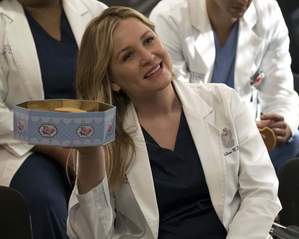 """GREY'S ANATOMY - """"Judgment Day"""" - During presentations on Grey Sloan Surgical Innovation Prototypes Day, Arizona shares some cookies from an appreciative patient that, unbeknownst to her, contain a special ingredient. Meanwhile, Catherine reveals some shocking details to Jackson about his grandfather's past; and Jo steps in mid-operation on a major surgery after Bailey and Meredith are down for the count, on """"Grey's Anatomy,"""" THURSDAY, APRIL 19 (8:00-9:00 p.m. EDT), on The ABC Television Network. (ABC/Byron Cohen) JESSICA CAPSHAW"""