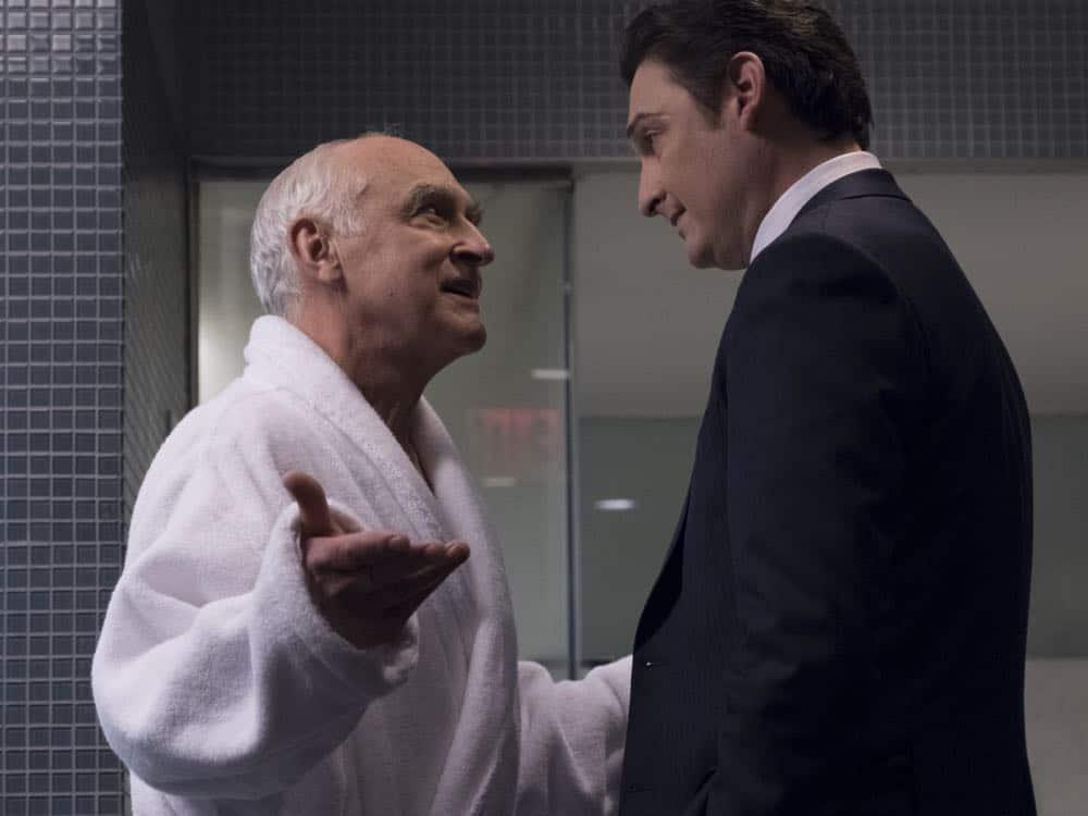 "Jeffrey DeMunn as Chuck Rhoades, Sr.and Toby Leonard Moore as Bryan Connerty in BILLIONS (Season 3, Episode 04, ""Hell of a Ride""). - Photo: Jeff Neumann/SHOWTIME - Photo ID: BILLIONS_304_1271.R.jpg"